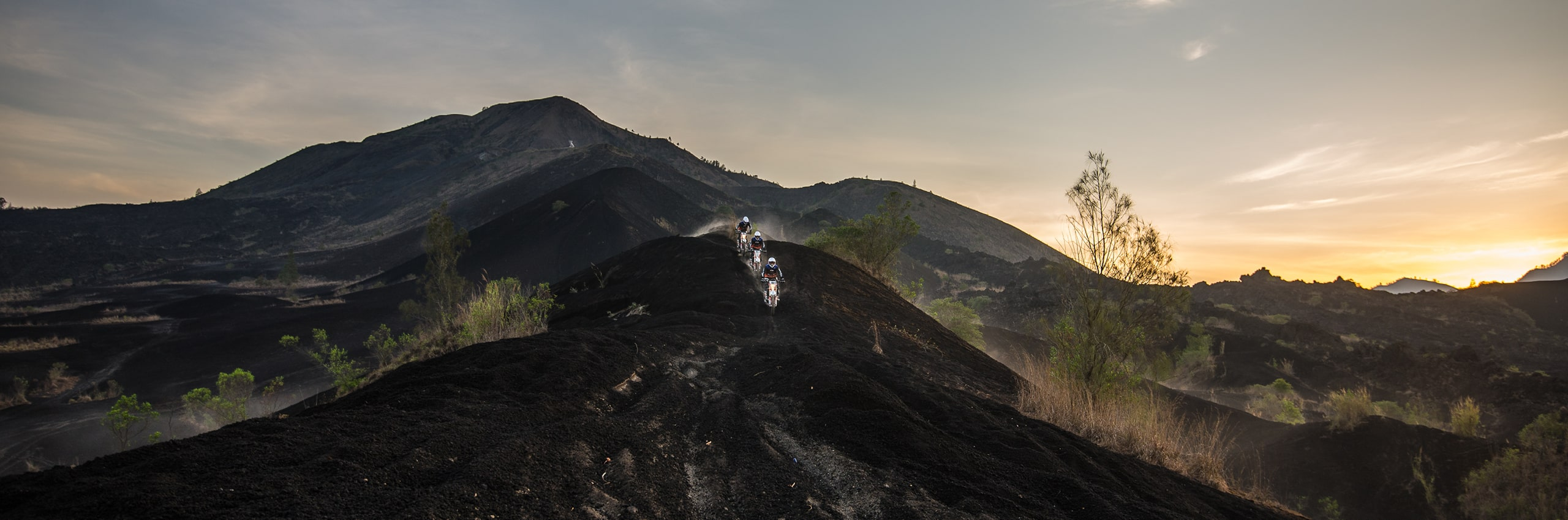 Bali_Dirt_Bikes_Kintamani_Black_Lava_Slider7